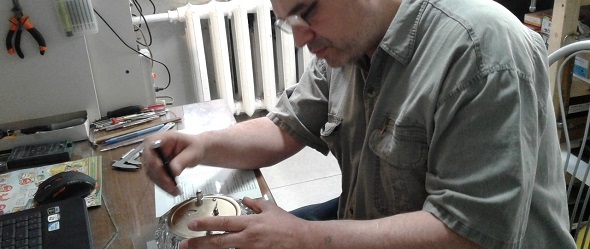 Замена батареек в часах в СПБ