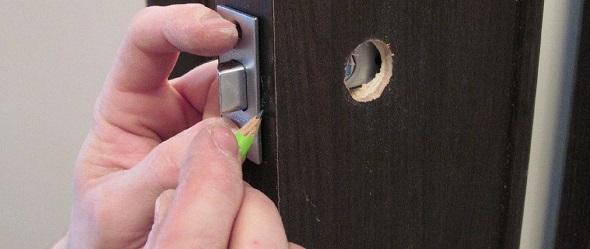 Замена дверных замков в СПБ
