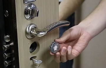 Услуги по установке дверных замков в СПБ
